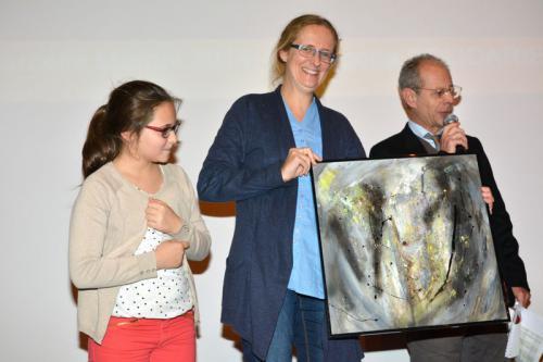 Alessandra mamma di Davide ritira il premio categoria Solidarietà